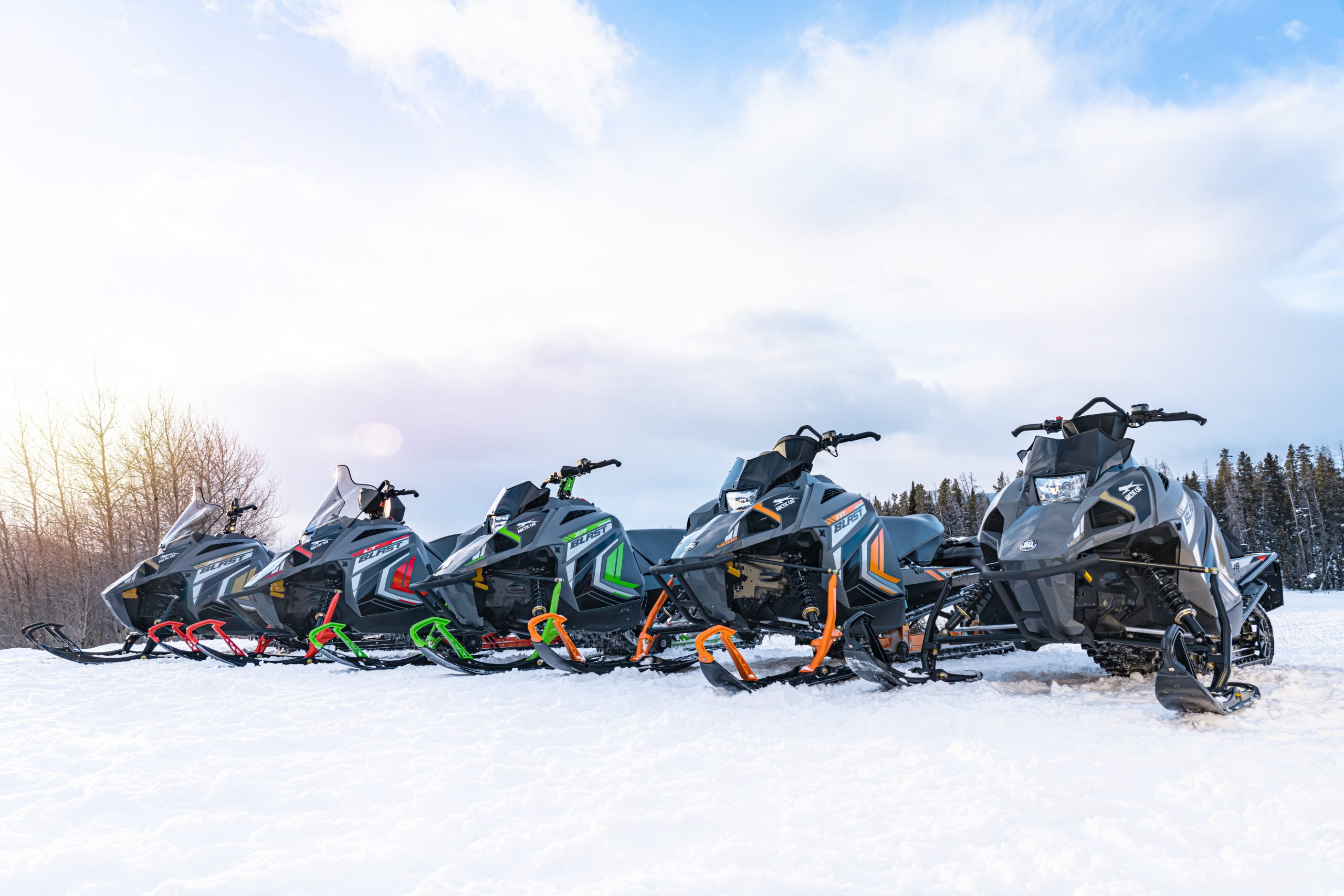 Motoneiges Arctic Cat 2022 Snowmagasson - Snowcheck - motos illimitees Terrebonne blast
