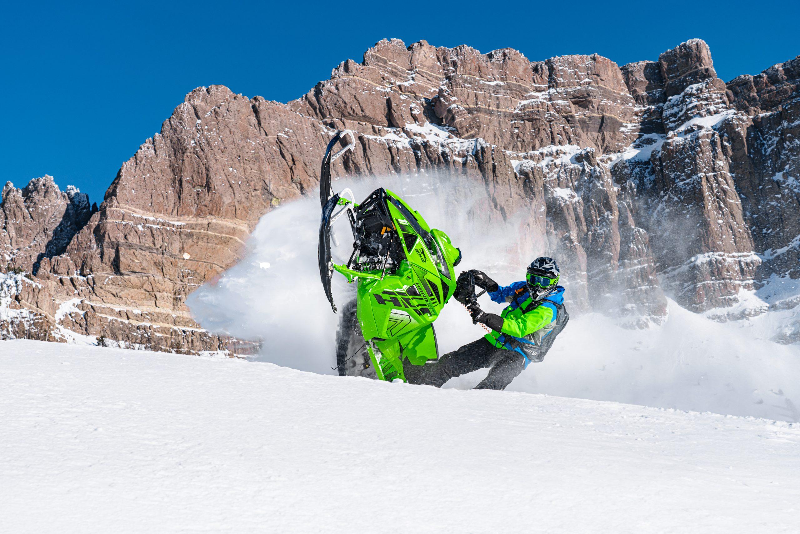 Motoneiges Arctic Cat 2022 Snowmagasson - Snowcheck - motos illimitees Terrebonne